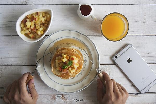 cách làm bánh Pancake trứng đơn giản