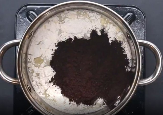 Cách làm bánh su kem chiên vị eoro thơm ngon