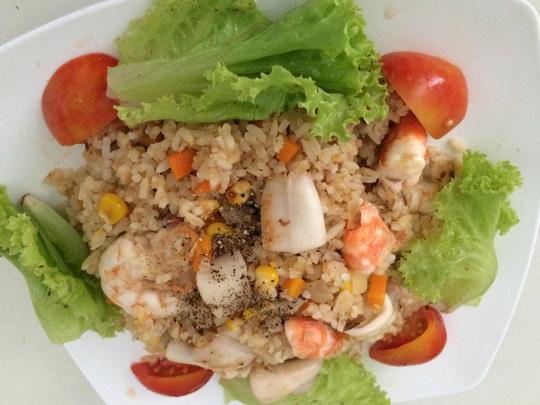 cách làm cơm rang hải sản ngon