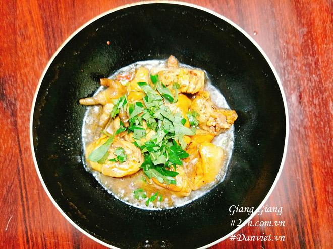 Cách làm món thịt gà kho rau răm ngon