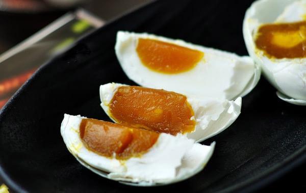 Cách làm trứng vịt muối thơm ngon