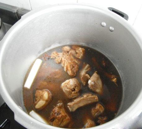 Cách nấu canh sườn hầm nhừ ngọt