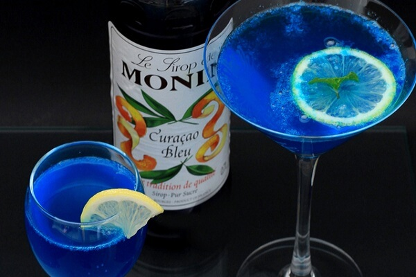 cách làm cocktail Blue Hawaii đơn giản thơm ngon