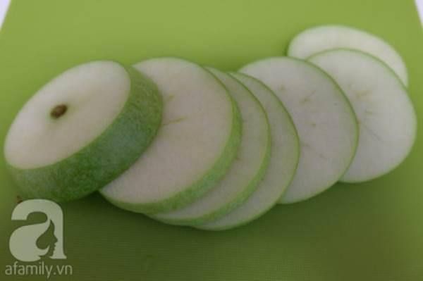 cách làm bánh táo chiên thơm
