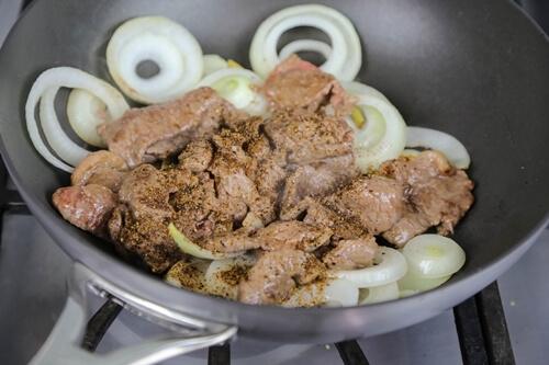 Cách làm thịt bò sốt tiêu đen ngon