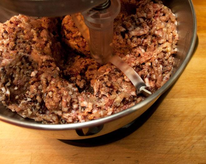 Cách làm xúc xích gà ngon