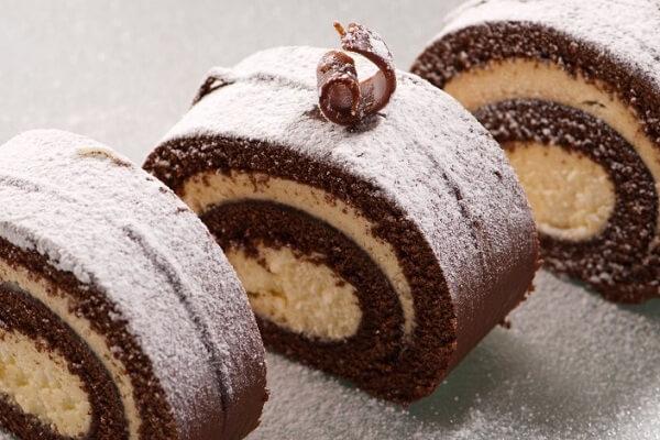 cách làm bánh cuộn socola Thụy Sĩ