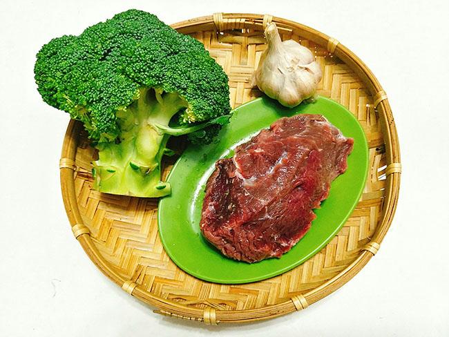 Cách làm món bò xào bông cải ngon